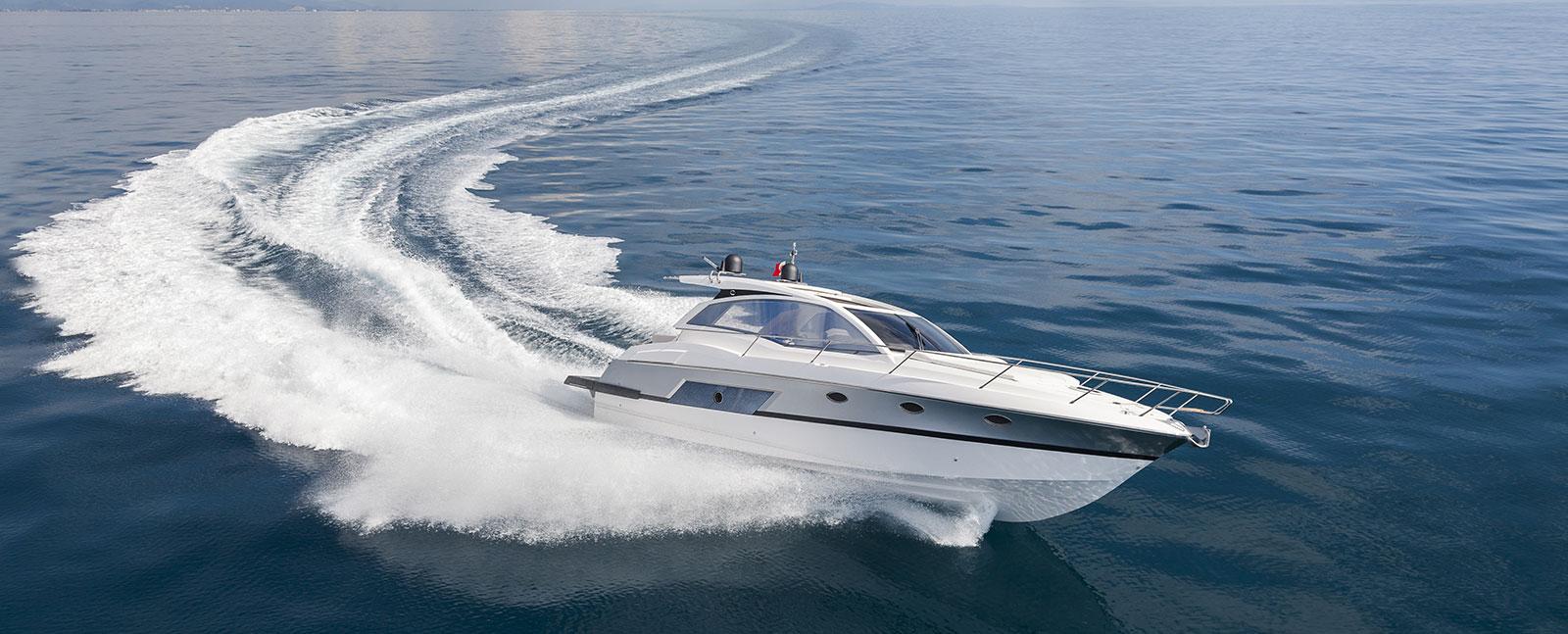yachtversicherungen-slider-motorboot